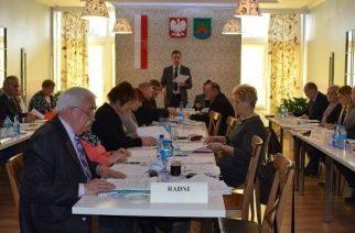 Sesja Rady Gminy Chmielno: Droga Sznurki – Maks do remontu!