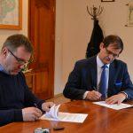 Podpisano umowę na budowę bieżni w Goręczynie i Somoninie