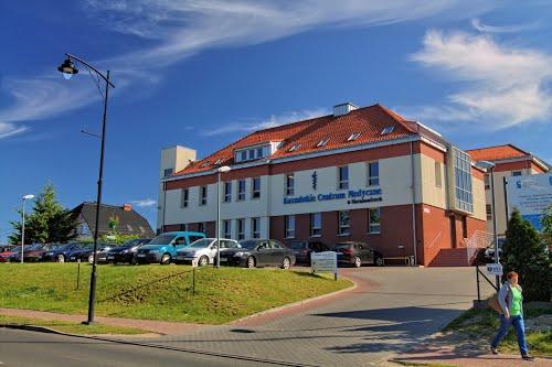 """Projekt """"Kaszubskie Centrum Medyczne – rozbudowa i przebudowa Publicznego Zakładu Opieki Zdrowotnej w Sierakowicach"""" zrealizowano dzięki dofinansowaniu z Europejskiego Funduszu Rozwoju Regionalnego w ramach Regionalnego Programu Operacyjnego dla Województwa Pomorskiego"""