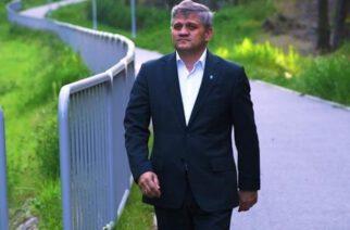 """Kartuzy. Andrzej Bystron: """"Gołuńskiego ludzie wybierają poprzez rozdawanie """"Grześków"""" i uścisk dłoni…"""""""