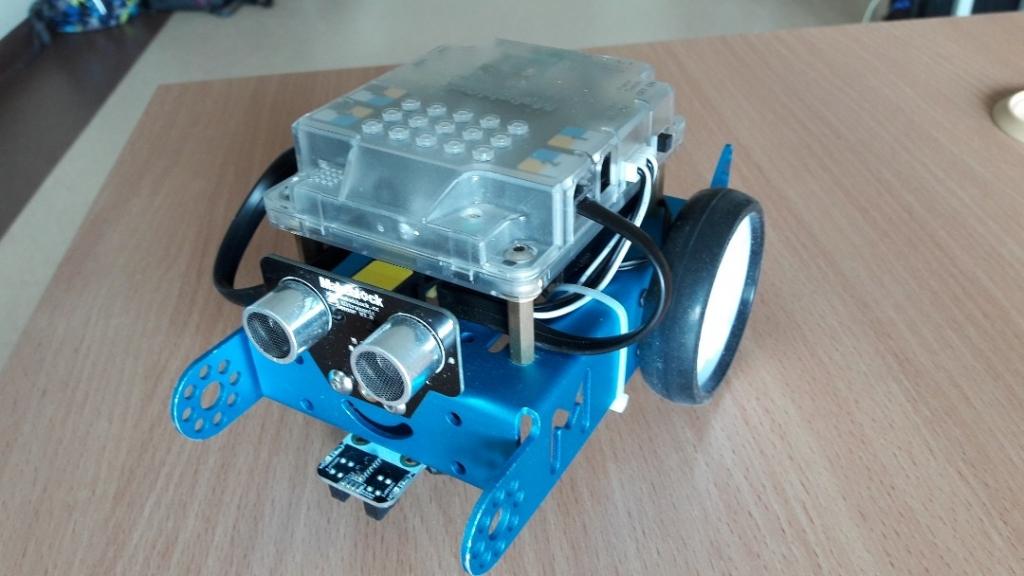 Zajecia z robotyki003