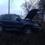 Wypadek w Lniskach: zderzenie volkswagena z mercedesem