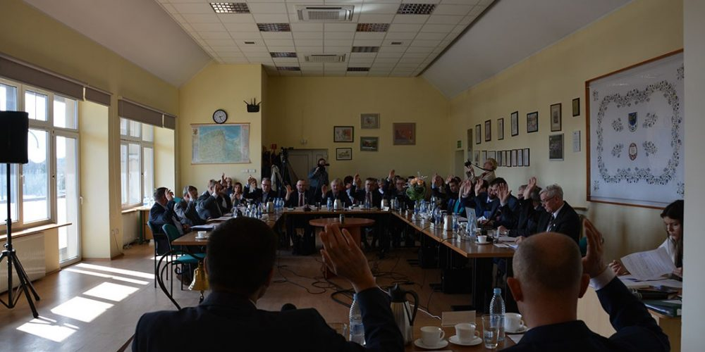 Okręgi wyborcze i pomoc finansowa dla powiatu – LI Sesja Rady Miejskiej w Żukowie