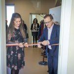 Każdy człowiek, w każdej kondycji ma coś do zaoferowania drugiej osobie – Otwarto nowy budynek Środowiskowego Domu Samopomocy w Kobysewie