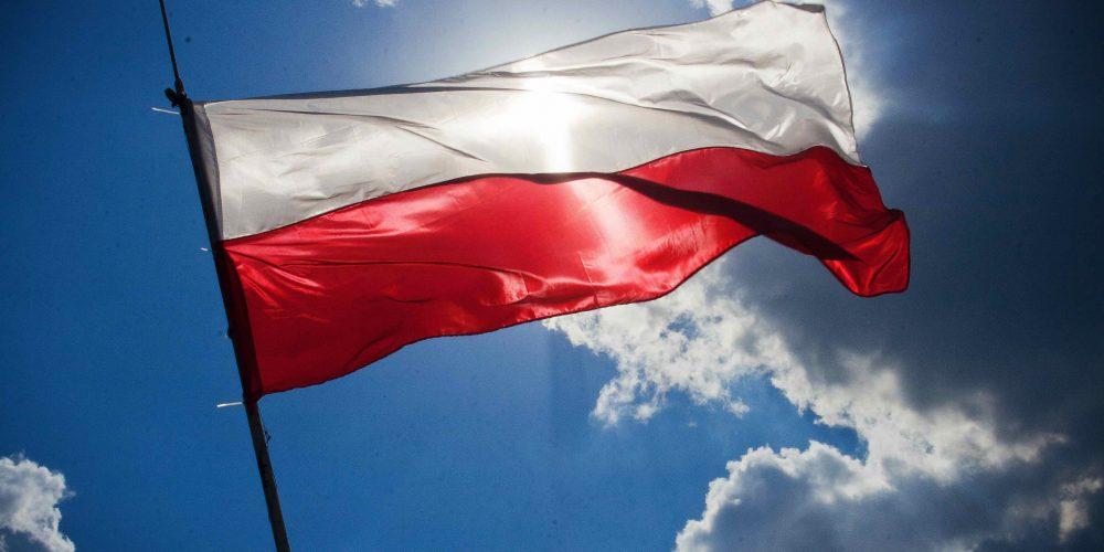 Wywieśmy biało-czerwone flagi! Zachęca Towarzystwo Upiększania Miasta Kartuz i Związek Piłsudczyków