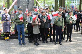 Przy uroczystościach 3 maja w Kartuzach nie mogło zabraknąć harcerzy fot. Piotr Chistowski / zKaszub.info