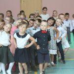 Tańcem, śpiewem i recytacją najmłodsi z Przodkowa uczcili Dzień Matki i Ojca