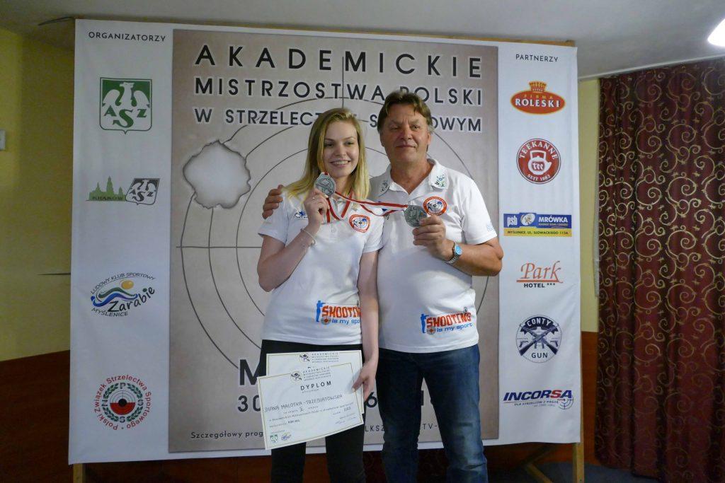 Akademickie Mistrzostwa Polski 2018 okazały się dla Diany bardzo udane. Z sukcesu cieszyła się wraz ze swoim trenerem i ojcem - Jerzy Malotką-Trzebiatowskim fot. nadesłane