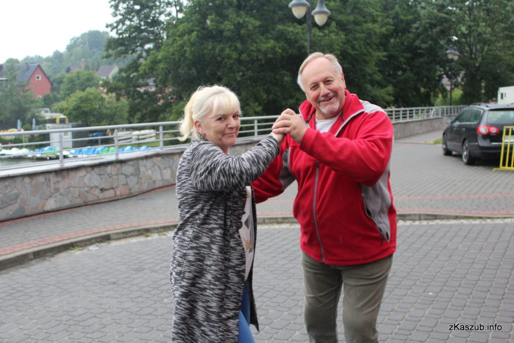 Weselne Granie 2018 przyciągnęło setki osób, pragnących bawić się przy dobrze znanych szlagierach fot. Elżbieta Lejk /zKaszub.info