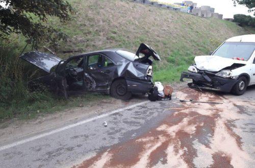 Kolejne wypadki na drogach – trzy osoby w szpitalu