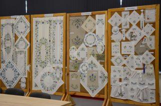 Zobacz przepiękną wystawę haftu kaszubskiego – jest już dostępna w Żukowie!