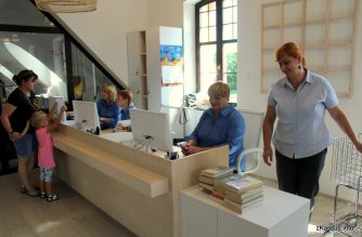 Dobry powrót – biblioteka w Kartuzach z coraz większą popularnością