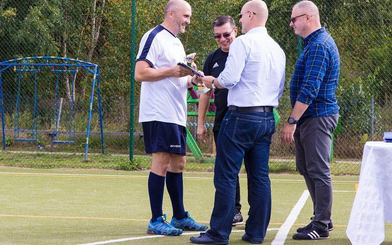 Policjanci, księża, samorządowcy… Za nami Turniej integracyjny Piłki Nożnej