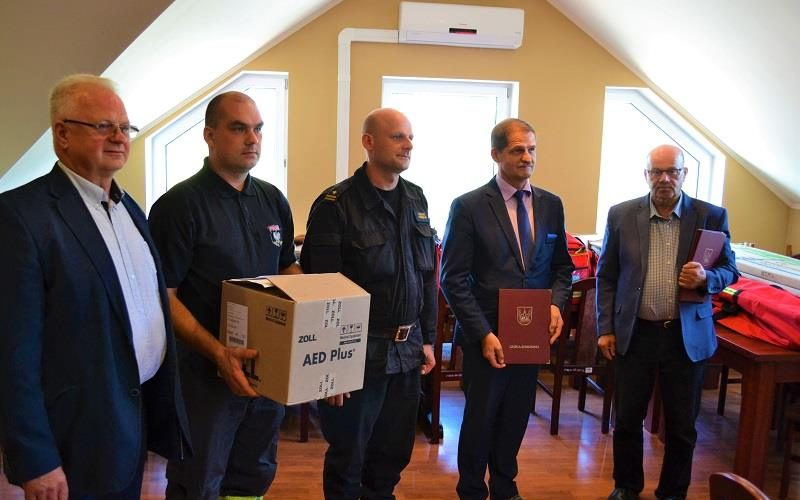 Strażakom z gminy Somonino przekazano nowy sprzęt