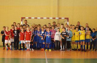 Stężyccy uczniowie zwycięzcami powiatowych rozgrywek halowej piłki nożnej