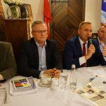 Spotkanie Tomasza Belgraua i kandydatów do rad z mieszkańcami Kartuz [ZDJĘCIA]