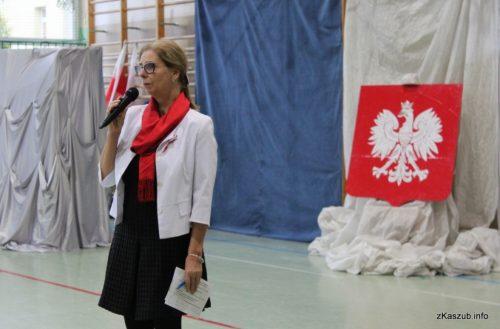 W Zespole Szkół Zawodowych i Ogólnokształcących odbył się akademia artystyczno-patriotyczna z okazji 100-lecia odzyskania przez Polskę niepodległości fot. P.Ch. / zKaszub.info