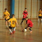 Drużyna Escola Futbolu najlepsza w somonińskim turnieju piłki nożnej halowej rocznika 2008