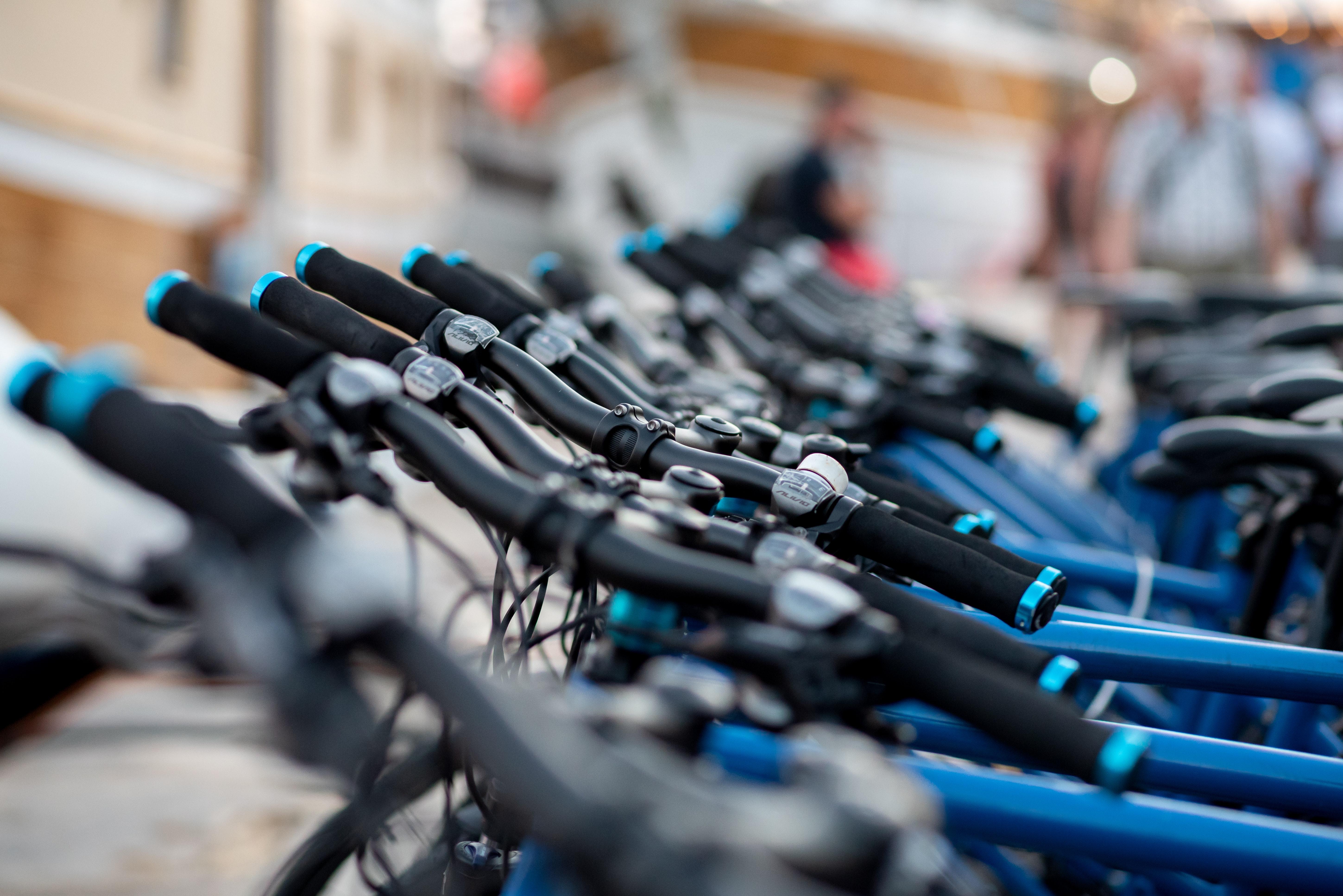 Start roweru MEVO opóźniony przez problemu techniczne i organizacyjne