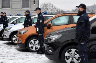 Kartuska policja z sześcioma nowymi radiowozami [ZDJĘCIA]