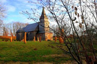 Drewniany Zabytkowy Kościół św. Marcina w Sierakowicach /fot. zKaszub.info