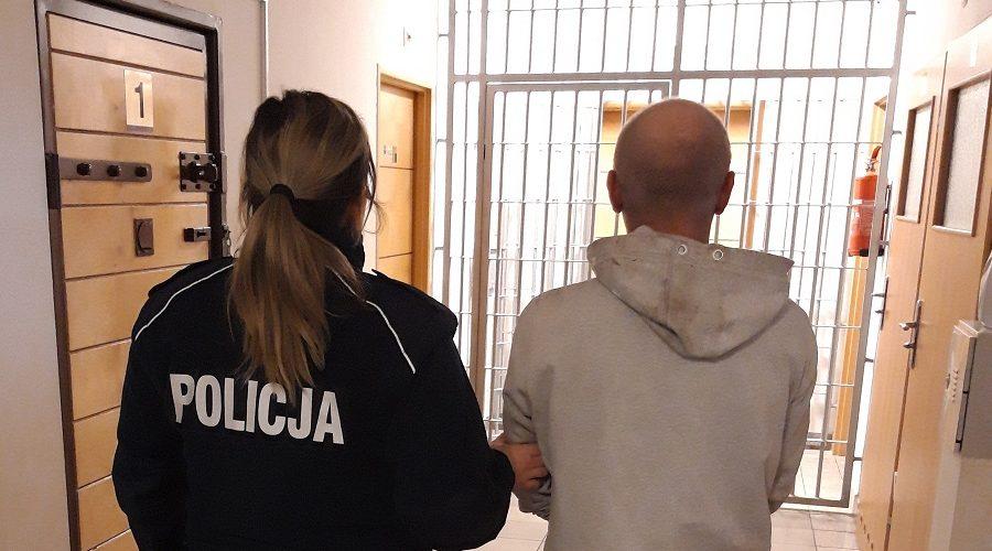 Kolejnych dwóch mężczyzn złapanych za posiadanie narkotyków