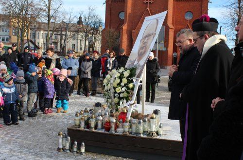 Kartuzy uczciły pamięć śp. Pawła Adamowicza fot. P.Ch. / zKaszub.info