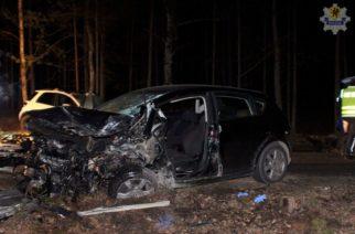 Wypadek koło Olpucha. Dwie osoby nie żyją
