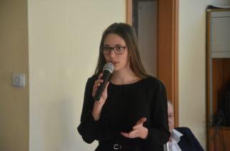 """Młodzieżowa Rada Gminy Żukowo zaprezentowała projekt """"Poznajmy się, zagrajmy w grę!""""."""