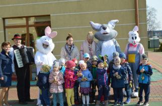 Wielkanocny Zajączek odwiedził somonińskie dzieci