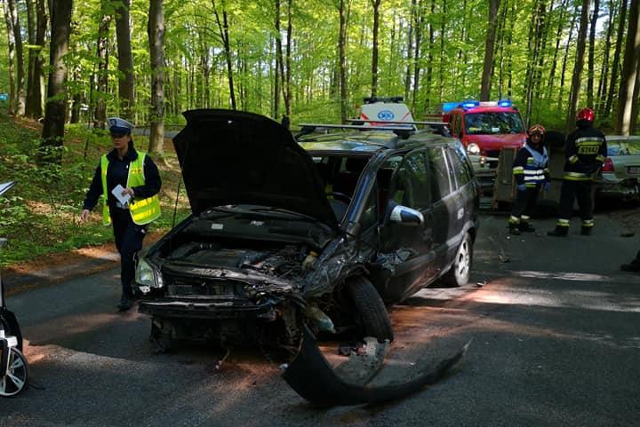 Wypadek na trasie Somonino – Egiertowo. Dwie osoby w szpitalu
