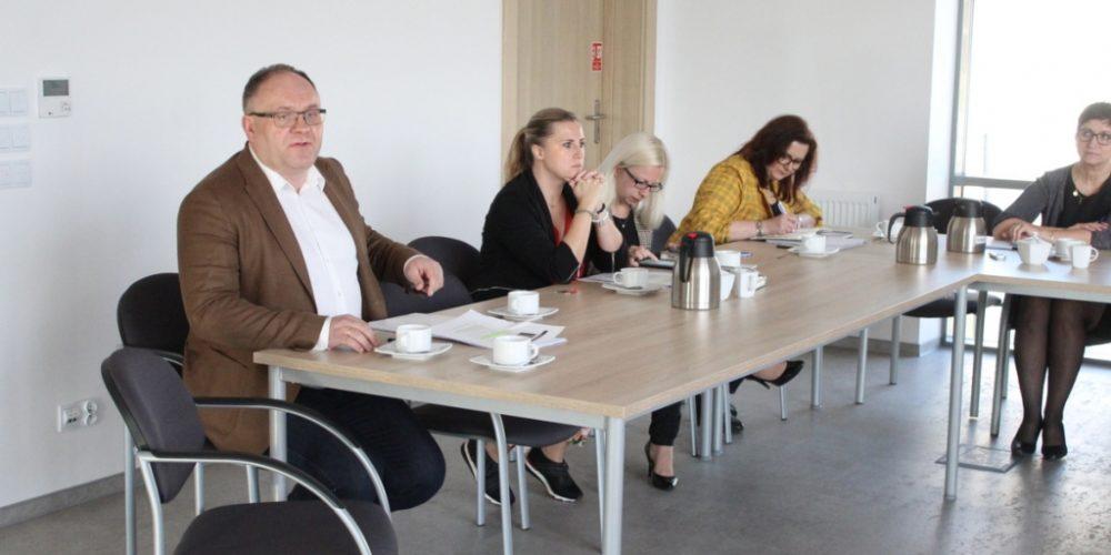 Tomasz Brzoskowski zapewnia, że zostaną podjęte odpowiednie kroki dotyczące protestu uczniów