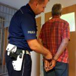 Policjant na urlopie zatrzymał poszukiwanego i prawdopodobnie nietrzeźwego kierowcę