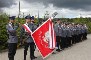 Święto 100-lecia Policji w Kartuzach. Funkcjonariusze otrzymali awanse i odznaczenia [ZDJĘCIA]