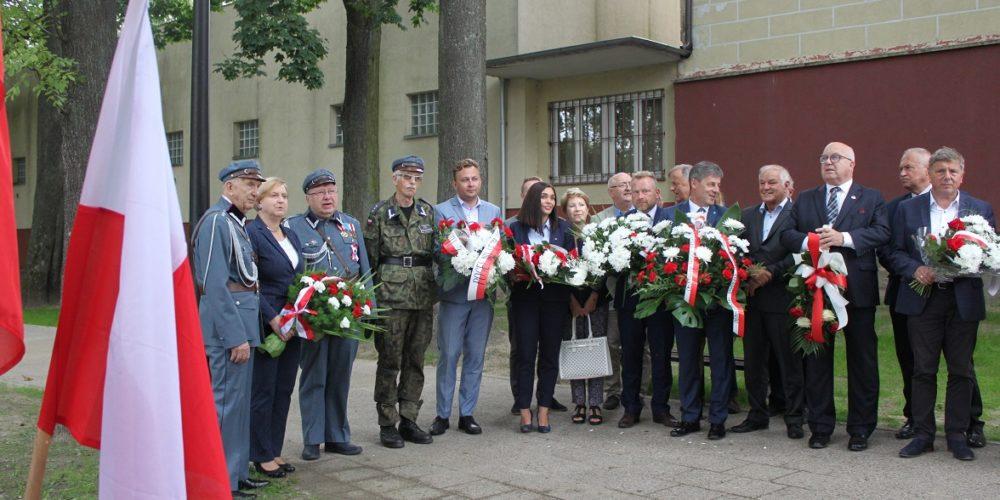 W Kartuzach upamiętniono 75 rocznicę wybuchu Powstania Warszawskiego [ZDJĘCIA]