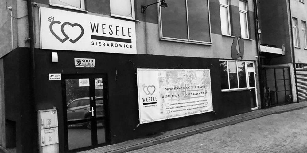 """Sierakowice. Dyskoteka """"Wesele"""" kończy działalność? """"Na koniec udostępniamy lokal na potrzeby organizacji prawdziwego wesela…"""""""