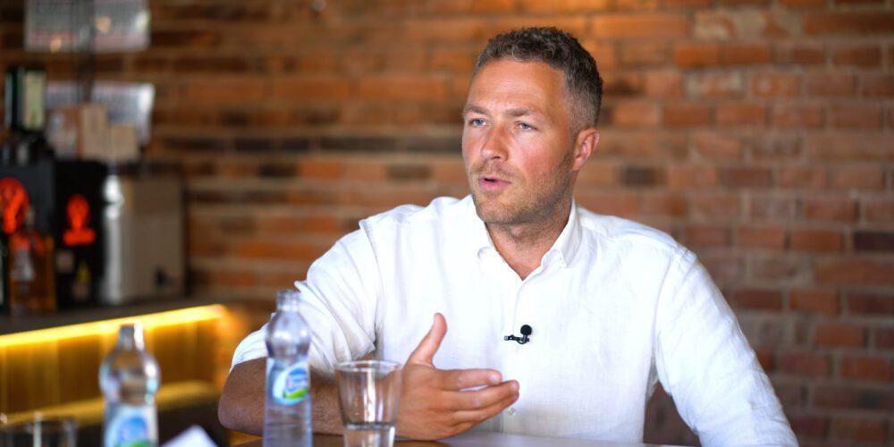 """""""Brodacz pyta"""" – odcinek 2 – Adam Kowalewski, psycholog"""