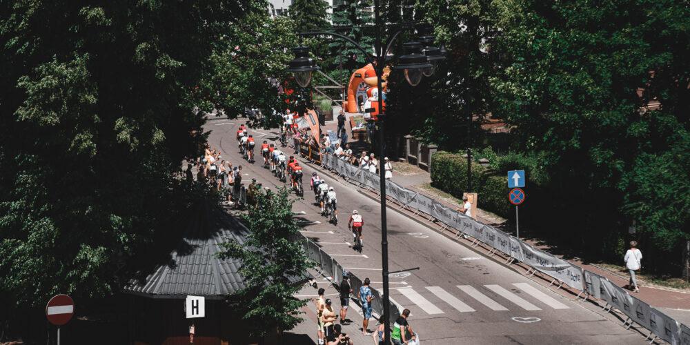 Kartuzy. Promocja miasta czy bezmyślny paraliż? Społeczność podzielona w sprawie mistrzostw kolarskich