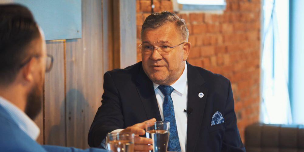 """""""Pretekst do rozmowy"""" – odc. 6 – Mieczysław Grzegorz Gołuński, burmistrz Kartuz"""